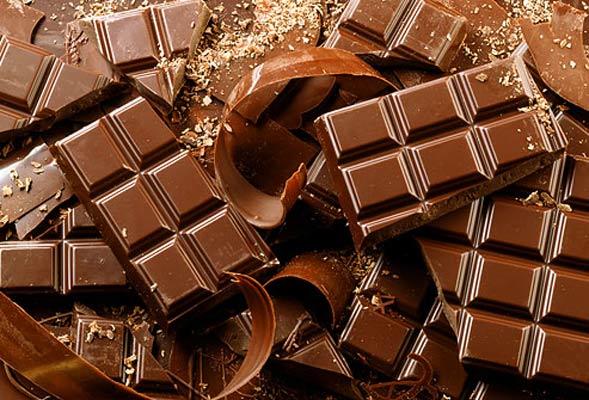 Шведские ученые объяснили, почему употребление темного шоколада обеспечивает профилактику сердечно-сосудистых заболеваний