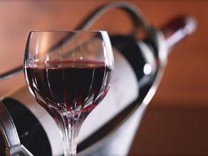 Красное вино уменьшает риск развития сердечных заболеваний