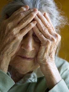 Болезнь Альцгеймеара будут определять по анализу крови