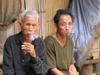 Родители передают привычку курить детям своего пола