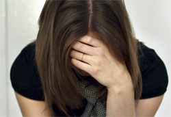 Болит в тазу? При чем здесь головная боль?