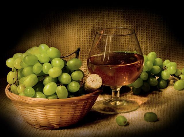 Потребление алкоголя в старости защитит от слабоумия и сохранит память