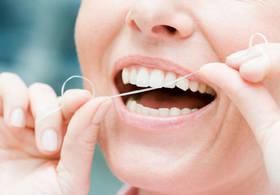 Зубная нить спасет от инсульта, — ученые