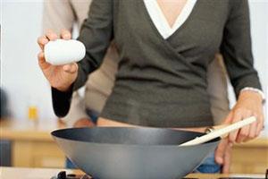 Защита женского сердца: соленая пища
