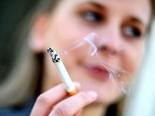 Женский организм, в отличие от мужского, защищает сосуды от пассивного курения