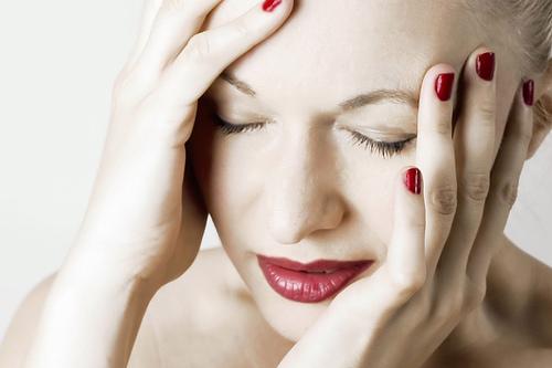 От головной боли спасут солнечные очки