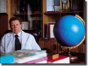 Знаменитому кардиологу исполняется 82 года