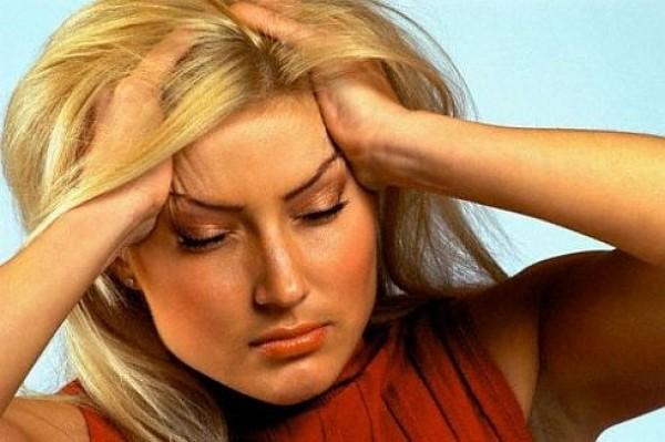 Когда у женщины болит голова, ей действительно не до секса