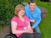 Из-за редкого расстройства девушка проснулась парализованной