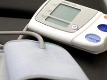 Автоматический домашний тонометр отличит гипертонию от синдрома «белого халата»