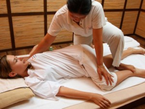 Польза для нашего организма тайского массажа