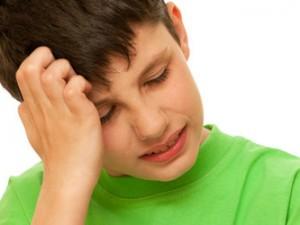 После черепно-мозговой травмы подростки и девушки чаще страдают от головной боли