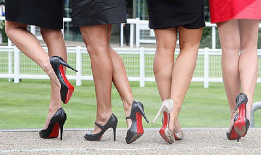На каблуке такой высоты ходить более полезно, чем в обуви на плоской подошве