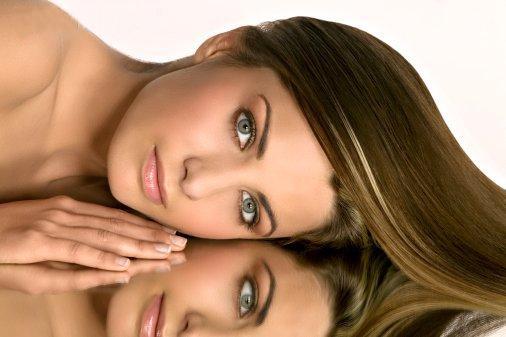 Ученые выявили связь между выпрямлением волос и раком