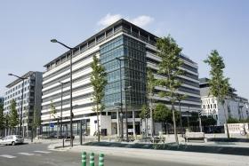 Sanofi завершила квартал с сокращением прибыли на 23%