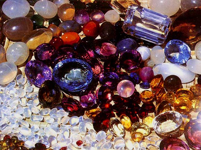 Драгоценные камни — один из способов улучшить здоровье человека.