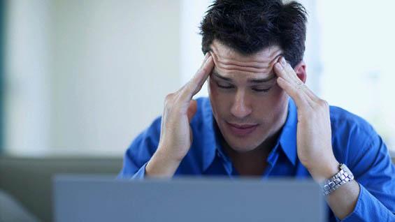 Может ли прием определенных продуктов вызывать головную боль?
