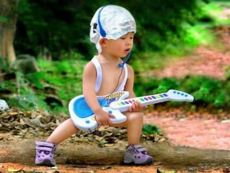 Музыка – мощный стимулятор в развитии интеллекта ребенка