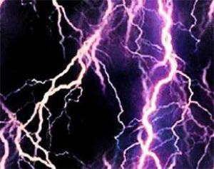 Причиной головной боли и мигрени могут стать молнии