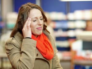 Мигрень, бессонница, гипоксия: врачи о последствиях резкого потепления