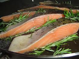 От инсульта может защитить рыба, но не добавки с рыбьим жиром