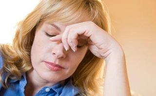 Справиться с мигренью поможет витамин В