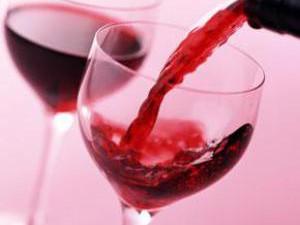 Вино и сок противостоят сердечно-сосудистым заболеваниям