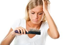 Выпадение волос из-за себорейной алопеции