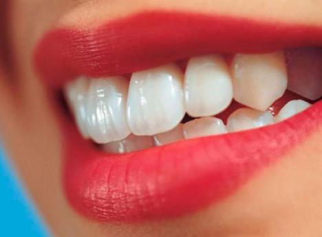 Описание процедуры реставрации передних зубов