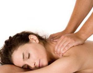 Курс массажа может помочь при головных болях