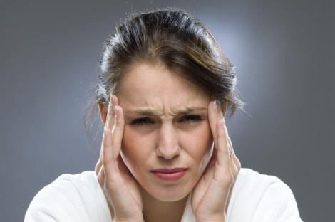 Почему болит голова? Причины — давление, мигрень, перенапряжение, последствия травмы и…