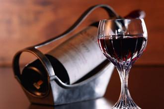 Бокал вина в день увеличивает риск инсульта