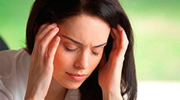 Мигрень может привести к поражениям головного мозга у женщин