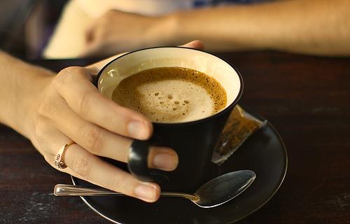 Пить кофе по утрам — полезно