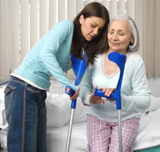 Перелом шейки бедра в пожилом возрасте. Что нужно знать?