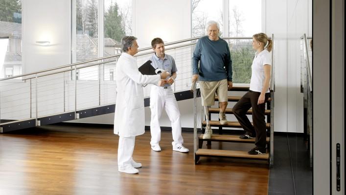 Вычленение коленного сустава с последующим протезированием
