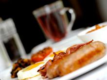Плотный завтрак и легкий ужин помогают контролировать уровень сахара в крови