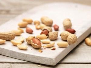 Употребление арахиса снижает риск возникновения сердечного приступа и инсульта