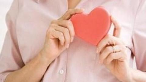 едики рассказали, что большинство женщин умирает от проблем с сердцем