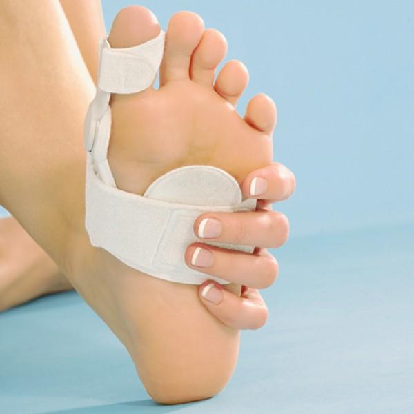 Как избавиться от косточек на ногах?