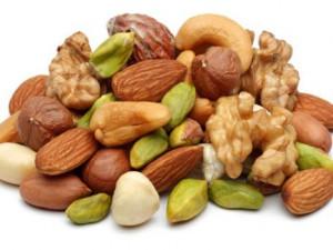 Почему для сердечников так важно есть орехи