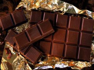 Темный шоколад защитит женщин от инсульта
