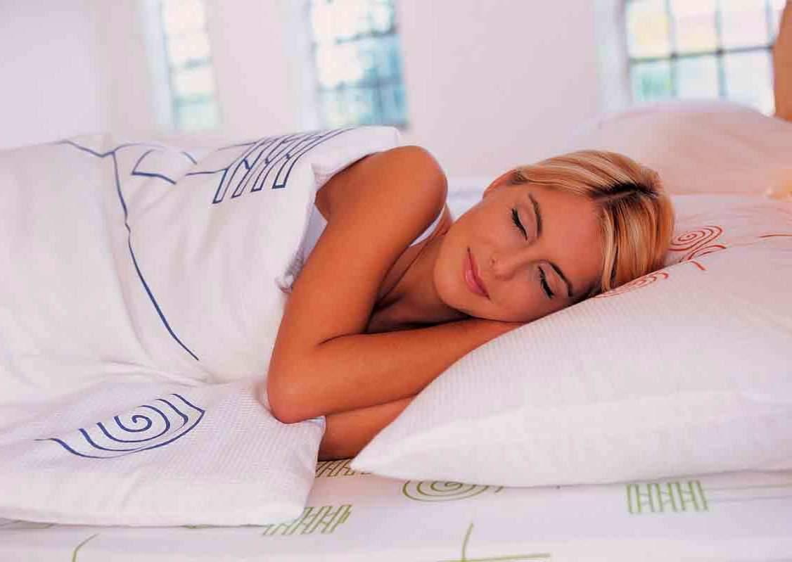 Сон на боку полезен для мозга