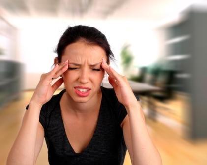 Низкокалорийная диета вызывает головную боль