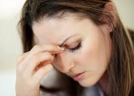 Мигрень повреждает женский мозг