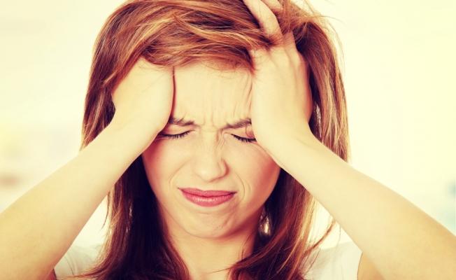 Симптомы мигрени: почему у женщин болит голова