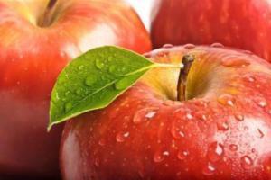 Снизить риск инфарктов и инсультов помогут яблоки – учёные