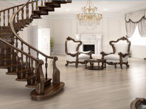 Деревянная лестница в классическом интерьере