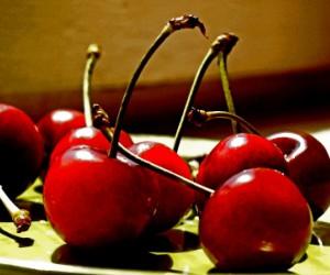 Определен фрукт, который хорошо чистит сосуды
