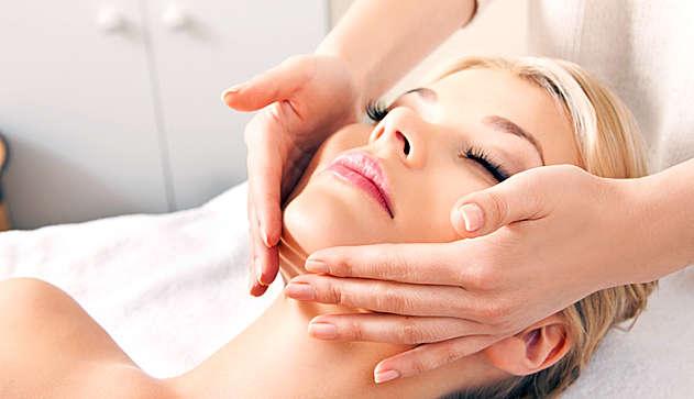 Чем полезен массаж для лица